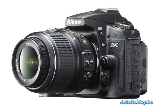 NIKON D90 with AF-S DX 18-55mm VR II Lens KIT